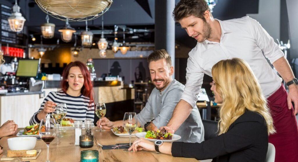 وجبات كومبو لزيادة مبيعات المطاعم